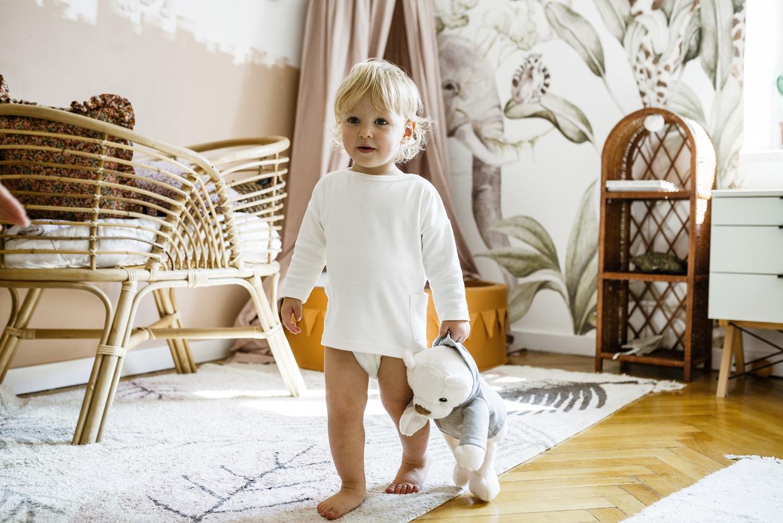 Pierwsze kroki – jak wspomóc maluszka w ich stawianiu?