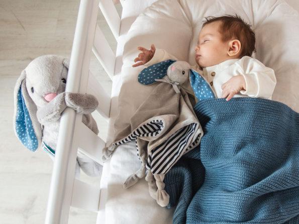 Czy przesypiania całej nocy można dziecko nauczyć? Potrzebny jest jakiś trening?