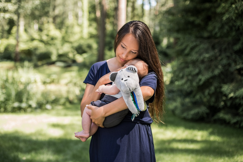 jak nosić dziecko